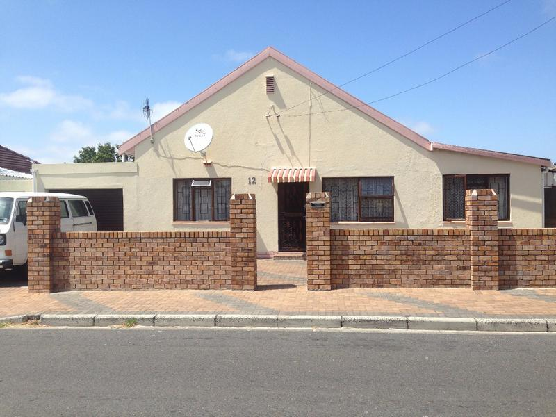 Property For Sale in Lansdowne, Cape Town 2