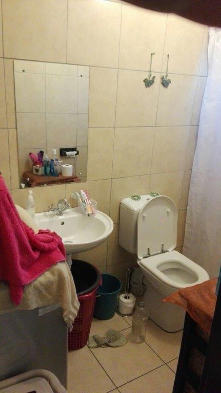 Property For Sale in Lentegeur, Cape Town 11