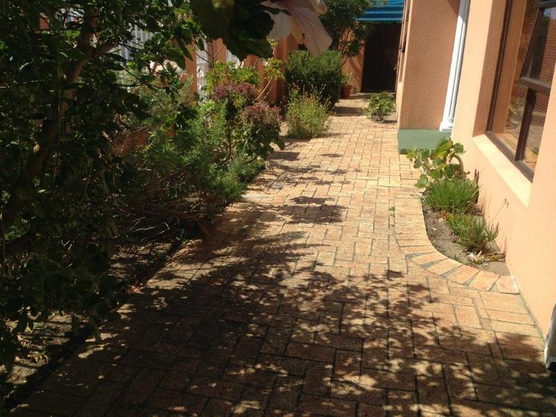 Property For Sale in Sheraton Park, Cape Town 3