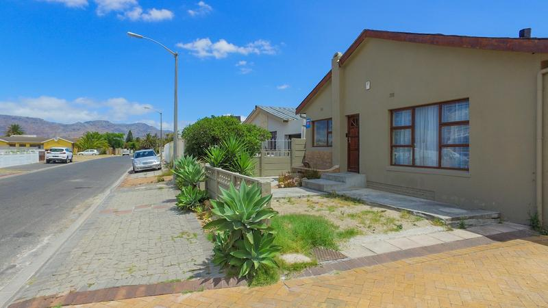 Property For Sale in Grassy Park, Cape Town 3