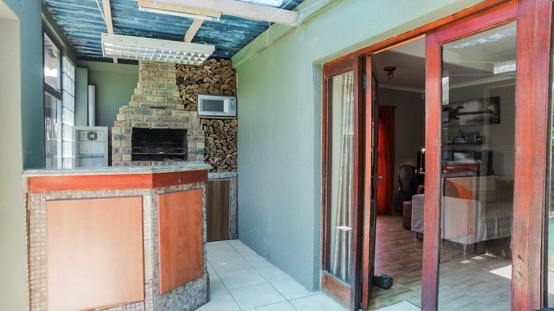 Property For Sale in Grassy Park, Cape Town 17
