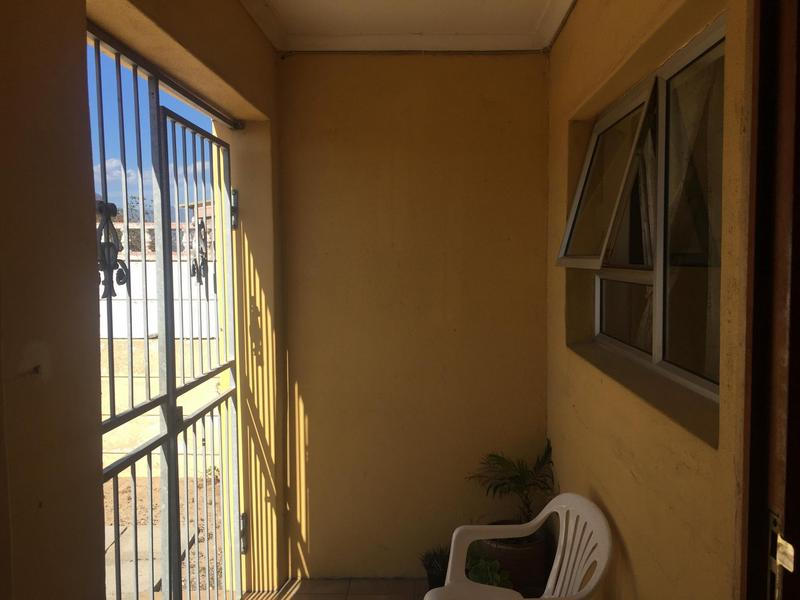 House For Sale in Macassar, Somerset West