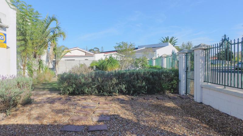 House For Sale in Bonny Brook, Kraaifontein