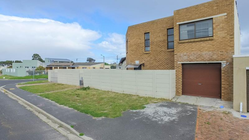 Property For Sale in Silvertown, Cape Town 2