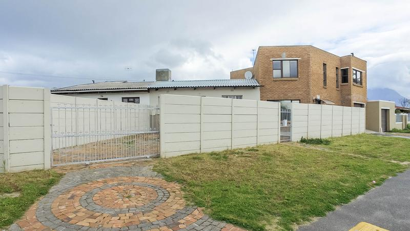 Property For Sale in Silvertown, Cape Town 1