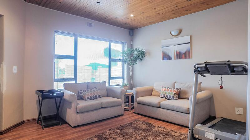 Property For Sale in Silvertown, Cape Town 5