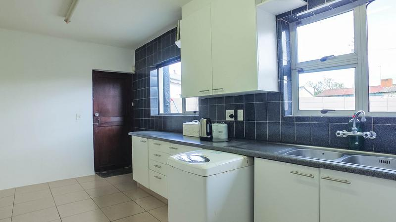 Property For Sale in Silvertown, Cape Town 10