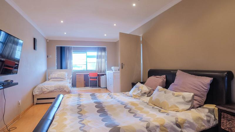 Property For Sale in Silvertown, Cape Town 11