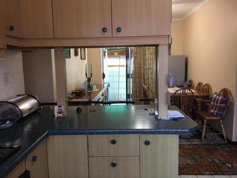 Property For Sale in Norwood, Elsies River 15