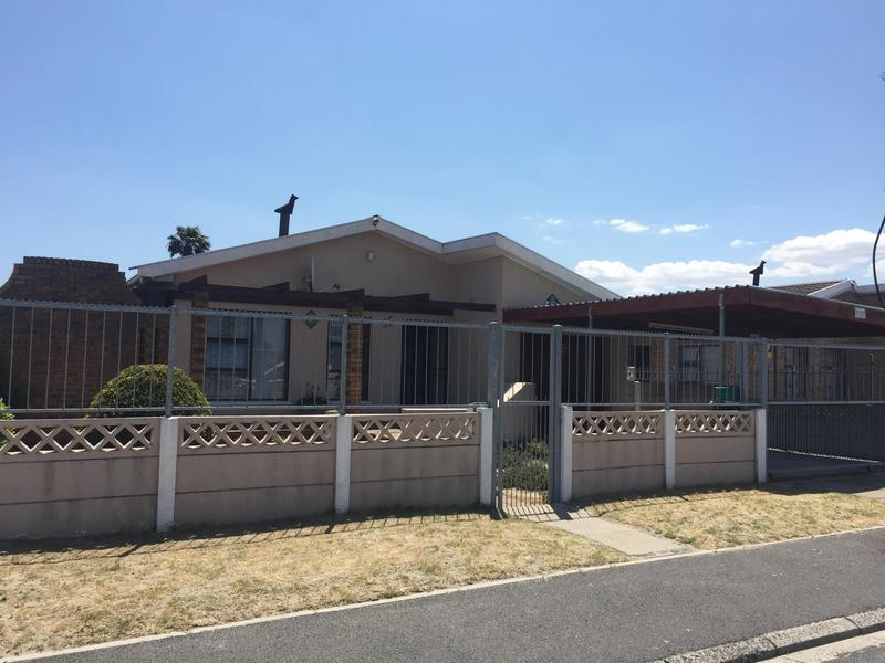 Property For Sale in Norwood, Elsies River 1