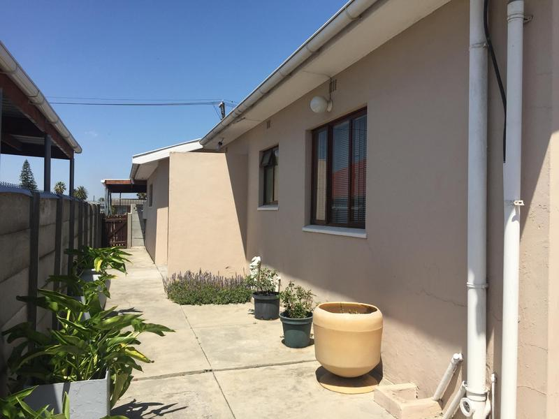 Property For Sale in Norwood, Elsies River 42