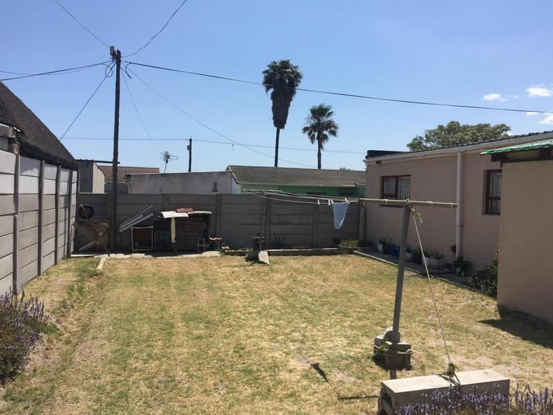 Property For Sale in Norwood, Elsies River 33