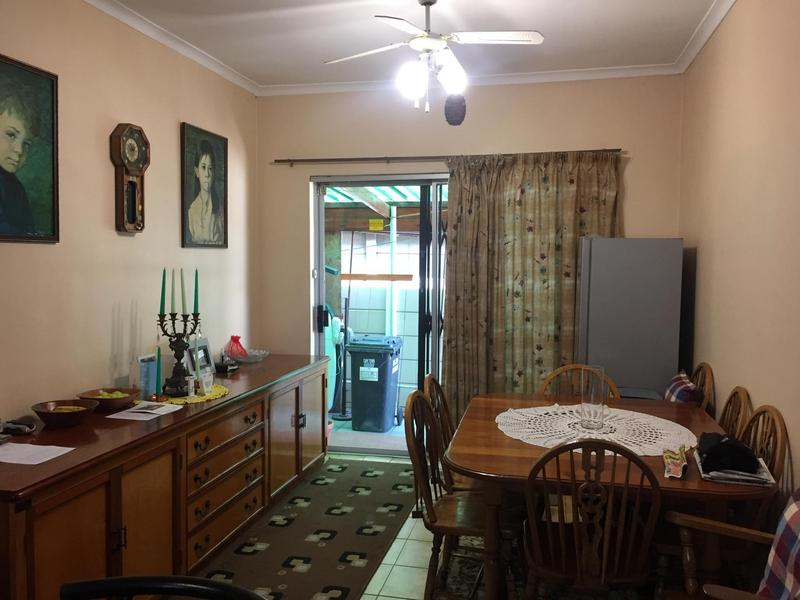 Property For Sale in Norwood, Elsies River 19