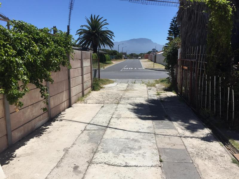 Property For Sale in Grassy Park, Cape Town 8