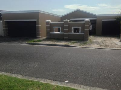 Property For Sale in Surrey Estate, Cape Town