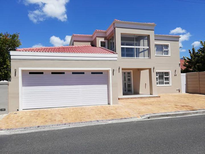 Property For Sale in Rondebosch East, Cape Town 1