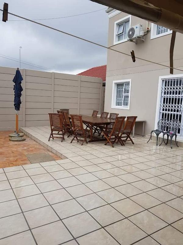 Property For Sale in Rondebosch East, Cape Town 19