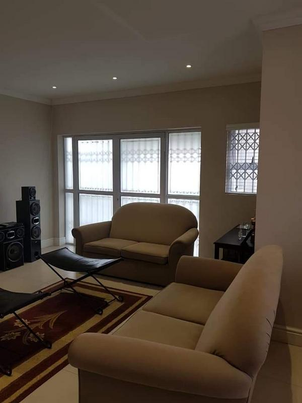 Property For Sale in Rondebosch East, Cape Town 12