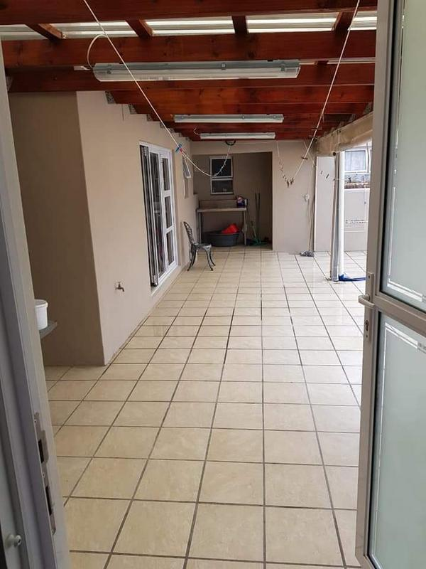 Property For Sale in Rondebosch East, Cape Town 18
