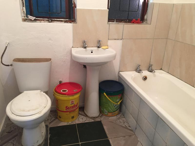 Property For Sale in Ikwezi Park, Khayelitsha 8