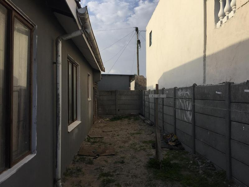 Property For Sale in Ikwezi Park, Khayelitsha 10