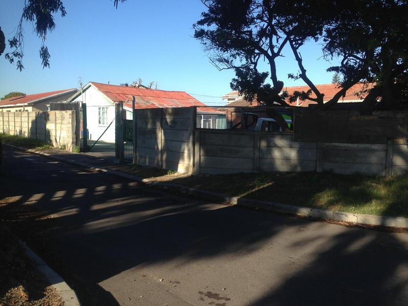 Property For Sale in Grassy Park, Cape Town 2