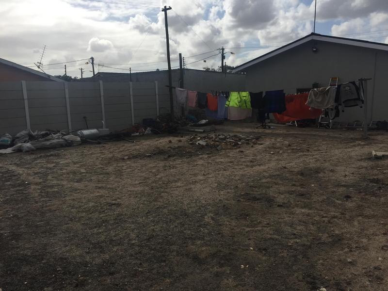 Property For Sale in Elnor, Elsies River 15