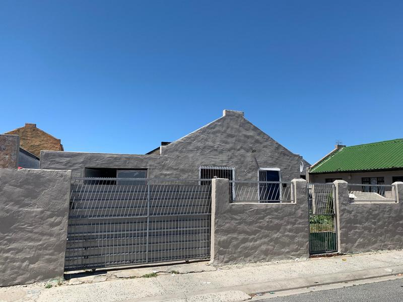 Property For Sale in Mitchell's Plain, Cape Town 4