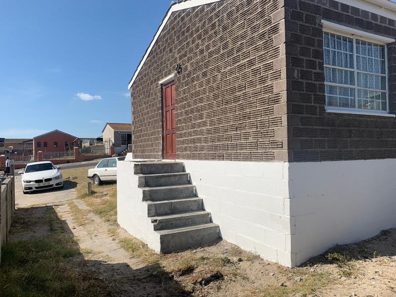 Property For Sale in Mitchell's Plain, Cape Town 6