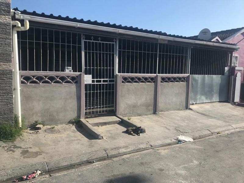 Property For Sale in Heideveld, Cape Town 2