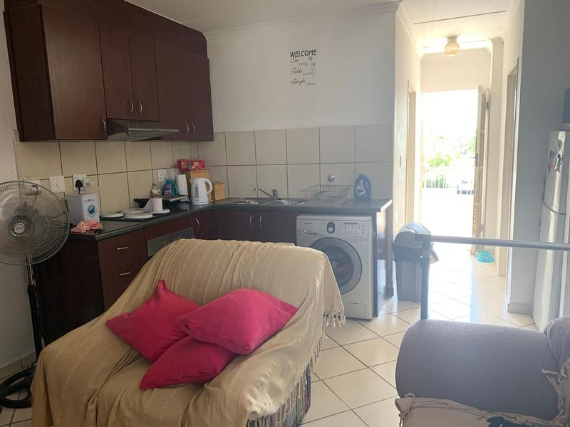 Apartment / Flat For Sale in Buh-rein, Cape Town