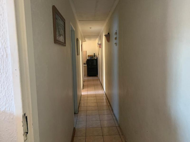 House For Sale in Eastridge, Cape Town