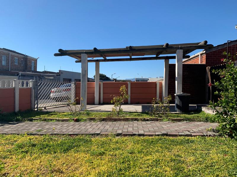 Property For Sale in Westridge, Cape Town 3