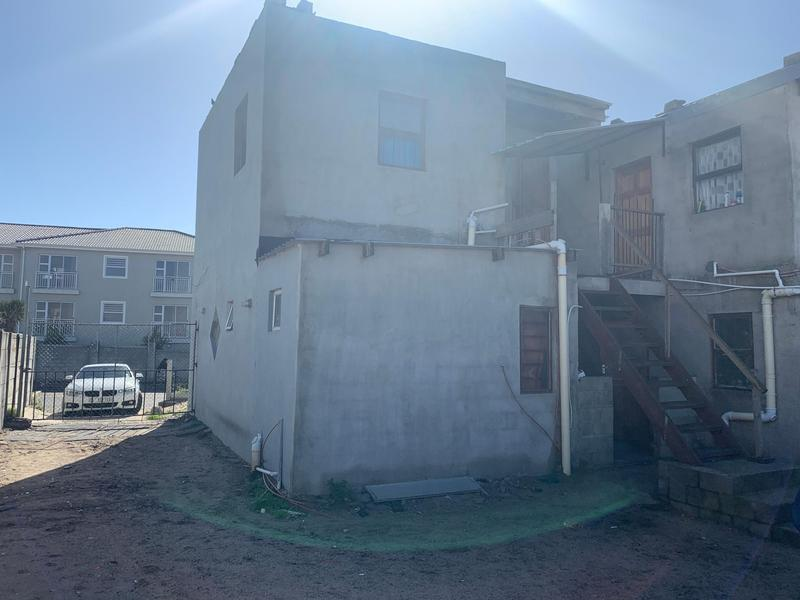 Property For Sale in Cravenby, Parow 2