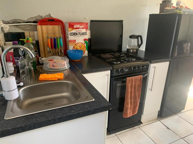 Property For Sale in Cravenby, Parow 9