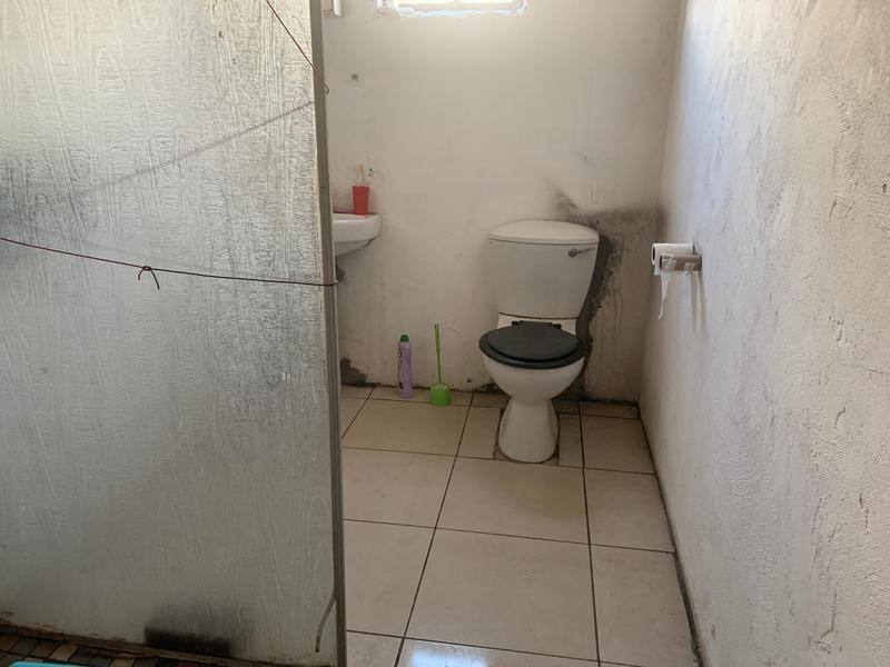 Property For Sale in Cravenby, Parow 16