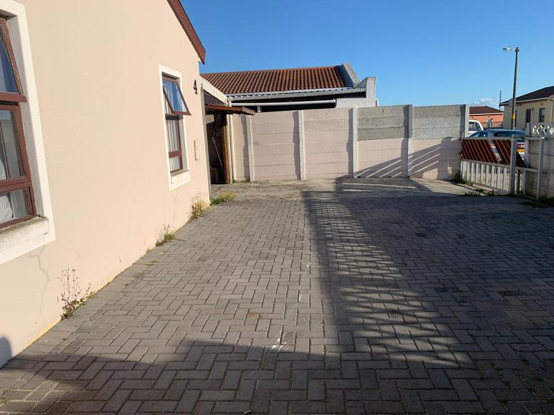 Property For Sale in Rondevlei, Cape Town 6