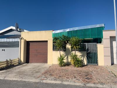 Property For Sale in Rondevlei, Cape Town