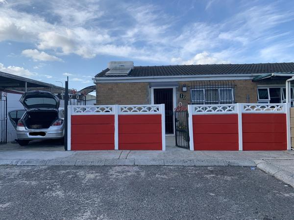 Property For Sale in Westridge, Cape Town
