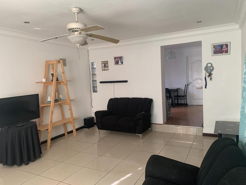 Property For Sale in Rocklands, Cape Town 13