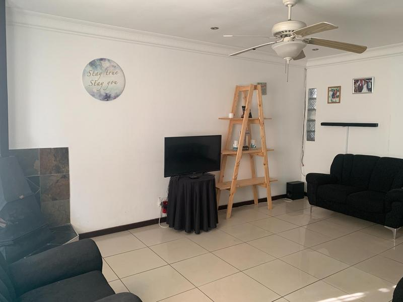 Property For Sale in Rocklands, Cape Town 14