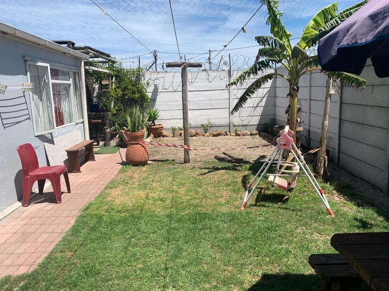 Property For Sale in Pelikan Park, Cape Town 29