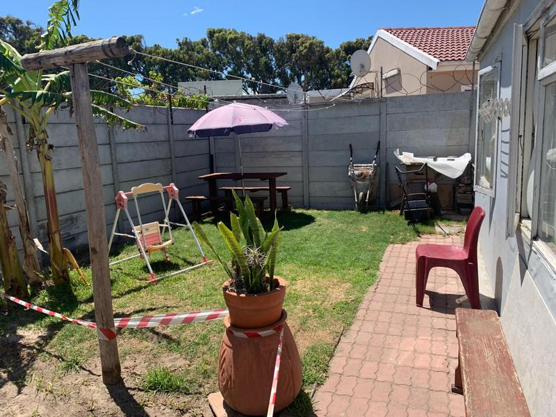 Property For Sale in Pelikan Park, Cape Town 30