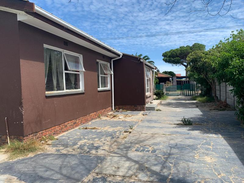 Property For Sale in Electric City, Eersterivier 4