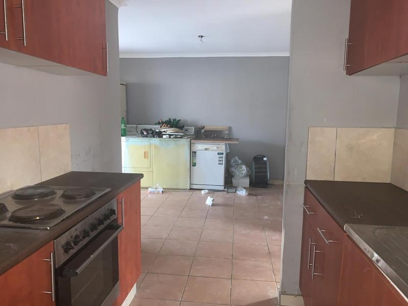 Property For Sale in Lentegeur, Cape Town 9