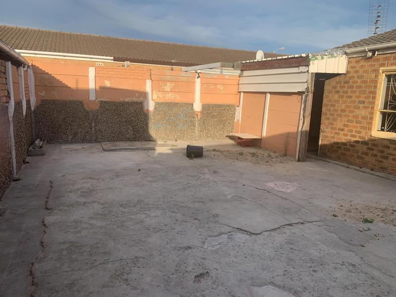 Property For Sale in Lentegeur, Cape Town 21
