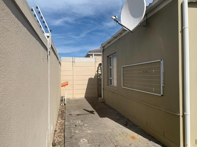 Property For Sale in Muizenberg, Cape Town 19