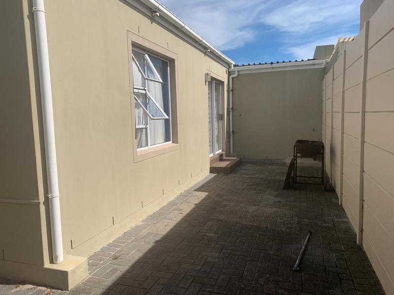 Property For Sale in Muizenberg, Cape Town 25