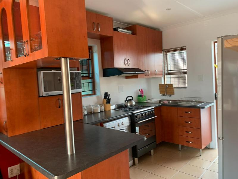 Property For Sale in Rondevlei, Cape Town 12