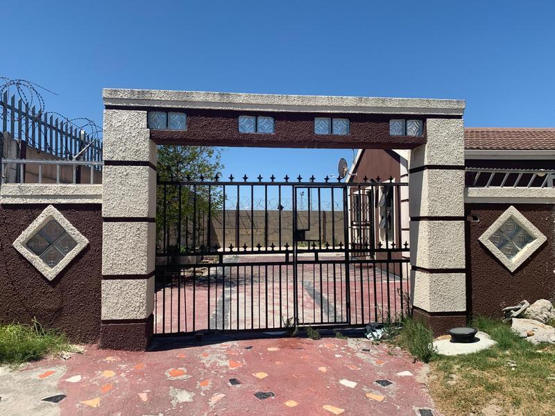 House For Sale in Ikwezi Park, Khayelitsha